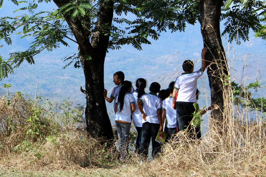 3rd. grade students on a field trip in Perquín. Photo courtesy of Amún Shéa School.