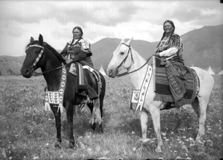 Rare, Old Photos of Native American Women andChildren