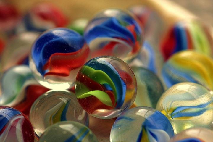 Chibolas o canicas. Foto de Wendy en Flickr. Licencia Creative Commons CC BY-SA 2.0.